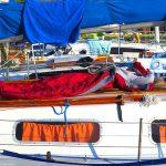 Duży ruch na Wielkich Jeziorach Mazurskich. MOPR ostrzega przed popołudniowymi burzami