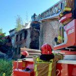 Pożar zabytkowej kamienicy na olsztyńskim Starym Mieście [ZDJĘCIA]