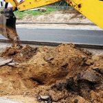 Kolejne umowy na dofinansowanie inwestycji drogowych w regionie. Skorzysta 18 gmin i powiatów