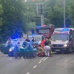 Niebezpieczna sytuacja w Olsztynie. Kobieta weszła pod koła nadjeżdżającego auta