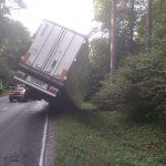 Naczepa ciężarówki blokowała ruch na DK 51