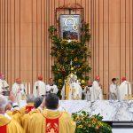 Beatyfikacja kardynała Stefana Wyszyńskiego. W Olsztynie uroczystość transmitowano na telebimie