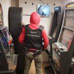 Mimo pandemii aktywnie walczą z hazardem. Zatrzymali kolejne automaty do gier