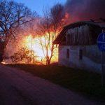 Nad ranem nad olsztyńskimi Jarotami unosiła się gęsta chmura dymu – paliła się stodoła w Bartągu