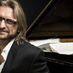 Wybitny pianista i kompozytor Leszek Możdżer wystąpił w olsztyńskim amfiteatrze
