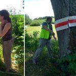 Chcą zwiększyć bezpieczeństwo swoje i kierowców. Mieszkańcy Nowego Kawkowa ubierają drzewa w odblaskowe opaski