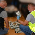 Funkcjonariusze z Warmii i Mazur rozbili szajkę tytoniową. Skarb Państwa stracił prawie 20 mln złotych