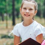 """Krystyna Kucewicz o akcji """"Tornister Pełen Uśmiechów"""": Dzieci zawsze cieszą się z nowych rzeczy, a potrzebujących cały czas jest dużo"""
