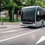 Usterka opóźniła testowanie elektrycznego autobusu o futurystycznym wyglądzie. Pojazd dotrze do Olsztyna za kilka dni