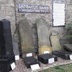 Żydowskie płyty nagrobne wróciły po latach na barczewski cmentarz
