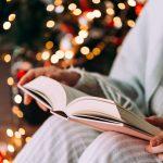 """""""Opowieść wigilijna"""", """"Dziewczynka z zapałkami"""", a nawet """"Chłopi"""". Boże Narodzenie w literaturze"""
